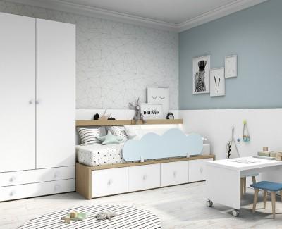 Chambre enfant avec lit compact avec coffre et tiroirs, armoire et table avec tabourets