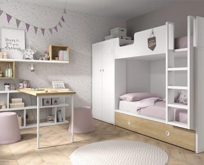 Chambre enfant avec lit superposé, armoire à 2 portes battantes et bureau avec étagères