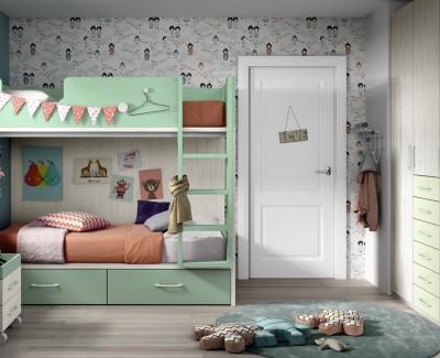 Chambre enfant avec lit superposé et armoire à portes battantes