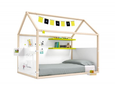 Lit maison en bois avec panneaux magnétiques, panneaux velleda et étagères