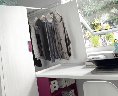 Chambre enfant avec lit superposé, armoire et bureau